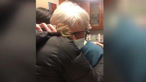ABD'de 81 yaşındaki kadına 'sarılma reçetesi'!
