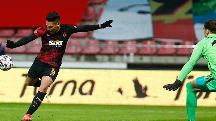 Falcao bu sezon 0,67 gol ortalaması yakaladı! 3te 2