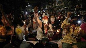 Myanmar'daki protestolarda ölenlerin sayısı 11'e çıktı