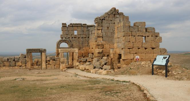 Yasaklar kalktı Zerzevan Kalesi 7 günde 5 bin ziyaretçi ağırladı